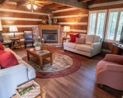 Cozy & Chic Rustic Retreat-luxury Log Home Near Downtown, Opry and Much More - Donelson
