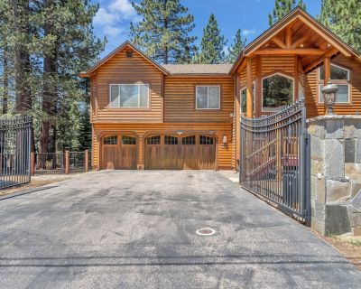 Newly renovated custom mountain home w/ stunning views, hot tub & more - Country Club Estates