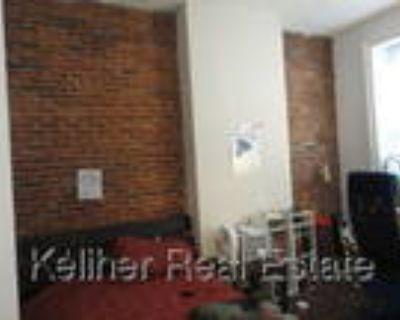 Duplex Large 2 Bedroom, 1Bath near Copley Square