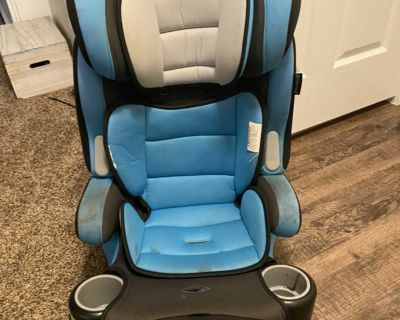 EUC Baby trend 3 in one hybrid plus car seat. Will clean before meeting.