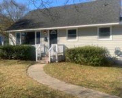 5304 Roslyn Dr, Norfolk, VA 23502 4 Bedroom Apartment