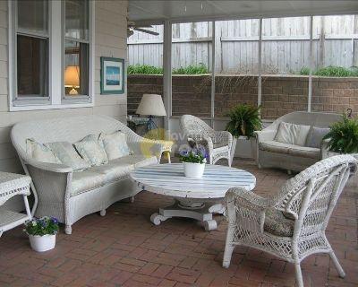 4 bed cootage – Virginia BEACH