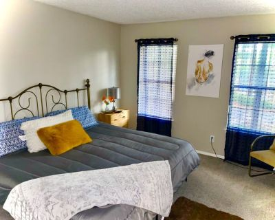 Cozy Deluxe 2bed/2bath Cottage Steps From Braves Stadium - Smyrna