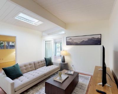Lovely Sunnyvale home with beautiful patio