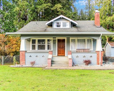 Newly Remodeled Craftsman on 1 acre! Come relax and enjoy some small town living - Montesano