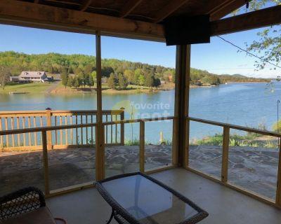 Douglas Lake front 2 bedrooms 1 bath cabi
