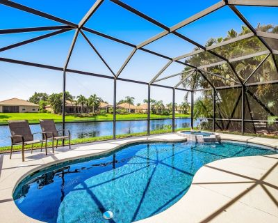 Spacious Home Near Water & in Golf Course Community w/Private Pool and Hot Tub - Bradenton