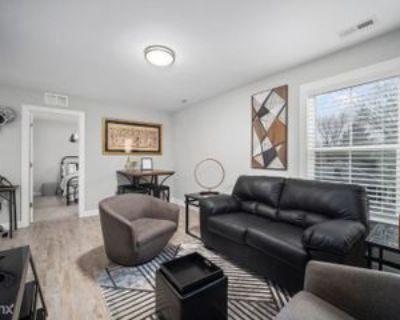 125 N Fourth St #4, Hampton, VA 23664 2 Bedroom Condo