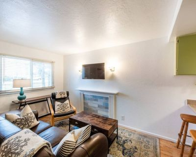 Cozy Cottage in downtown PC. Steps to mountain! - Downtown Park City