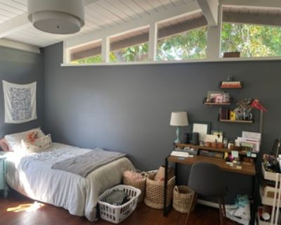 Join our all-female house in Midtown Palo Alto