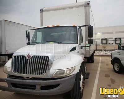 2013 International Durastar 4300 26' Box Truck Maxxforce AT