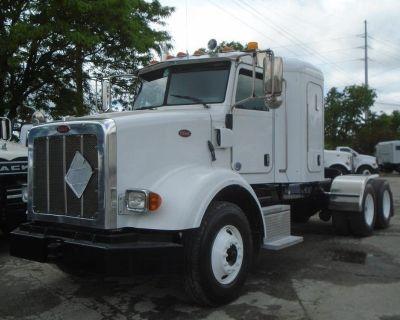 2015 PETERBILT 365 Sleeper Trucks Truck