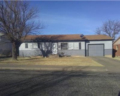 Hudd Ready 4/5 bedrooms,$1050.00 monthly