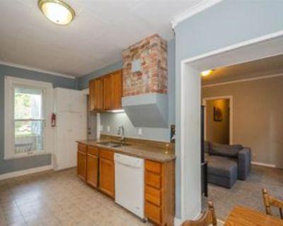 213 Ballard St #2, Ypsilanti, MI 48197 3 Bedroom Apartment