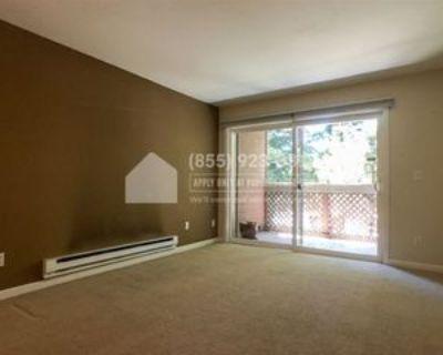 1223 Yarwood Ct, Fruitdale, CA 95128 2 Bedroom Condo