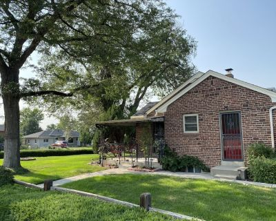 Beautiful Midcentury Cottage - CENTRAL & DOWNTOWN - Athmar Park