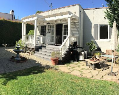 Your own 2/1 HOUSE with large GARDENS and remodeled CHEF S KITCHEN in West LA - West Los Angeles