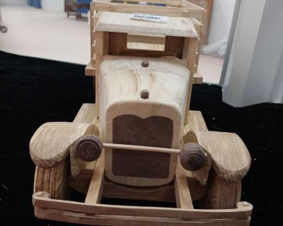 Wooden scale truck