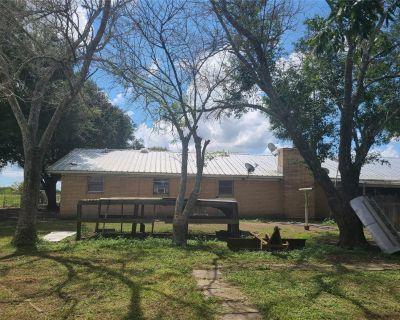 1494 Mumphord Road, Victoria, TX 77905