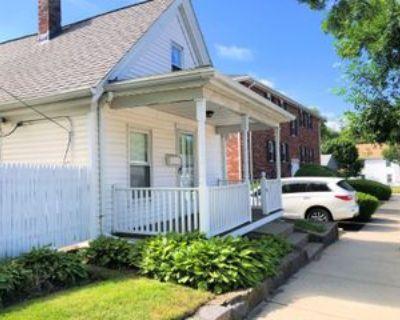 561 Willard St, Quincy, MA 02169 2 Bedroom House