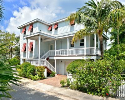 Waterfront 4 Bedroom 3 Bath luxury Oceanfront home with pool - Key West