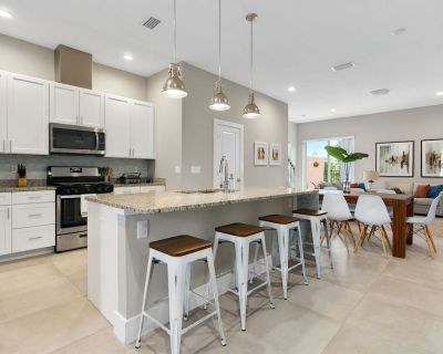 7552 - LUXURY with JACUZZI, 4 suites & FREE private outdoor grill use, near Disney - Kissimmee