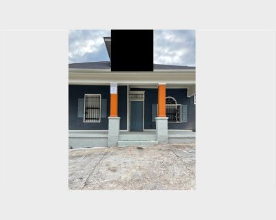 Room for rent in Joseph E Lowery Boulevard Southwest, Ashview Heights - Perfect Room For College Student