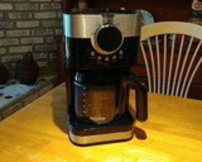 Black and Decker 12-cup Coffee Maker