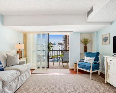 Third-floor Beach Condo w/ Free Wifi, Full Kitchen, Balcony, & a Shared Pool - North Ocean City