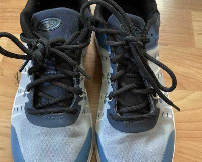 Boys size 3 sneakers