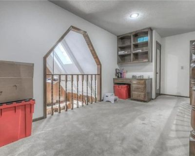BBQ, Smart T.V. WiFi, Nearby Park, Gym, kids activities - Overland Park