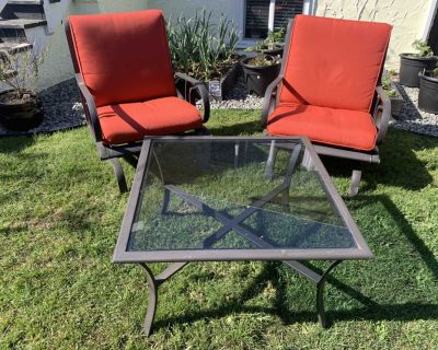 Obo Quality Patio Outdoor table and chairs