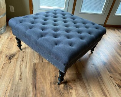 Tufted Ottoman on Caster Wheels *Mint Condition*