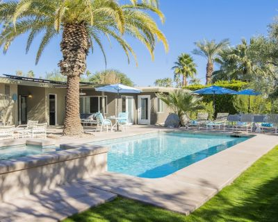 Canary Palms - Featured on Modernism Neighborhood Tour - Palm Springs