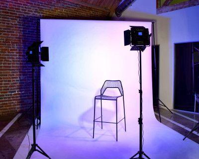 Downtown LA Photo Studio & Make-Up Lounge, Los Angeles, CA
