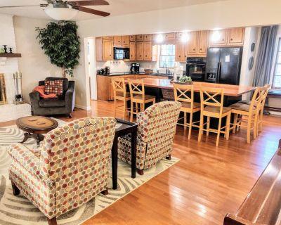 Peaceful, Luxurious Apartment in Wooded Milton Home - Milton