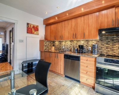 #434 - Spacious 2 Bedrooms, Private Balcony & Terrasse - Great Location! - Plateau Mont Royal