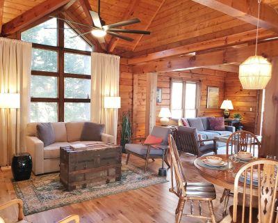 Cozy Cabin, Lake Lanier, Quiet Cove, North Ga, boat/RV parking - Dawsonville