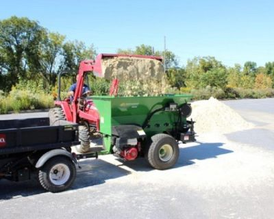 Topdresser Tow Behind Commercial