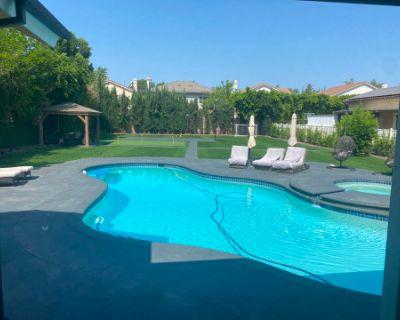 Modern House with Huge Backyard, Los Angeles, CA