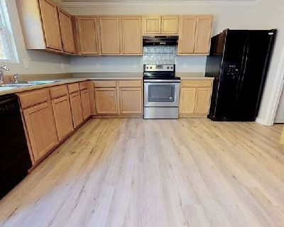 Sublease 1 Bedroom in a 4Bed 2.5Bath House