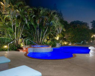 Private Pool w/ Hot Tub! Family Friendly Subtropical Retreat w/ Huge Yard - Kendall