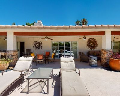 Family-friendly home w/ a private pool & pool spa plus an outdoor kitchen area! - Cathedral City
