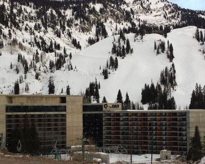 Winter 2021 Snowbird Ski Condo! Fri 1/29-Fri 2/05 (Sleeps 10) PRICE DROP! - Salt Lake Mountain Resorts