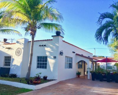 A Suite Retreat -- fully appointed, charming and private apartment - Northeast Miami