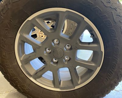 Texas - Overland wheels w 255/70/18 Duelers