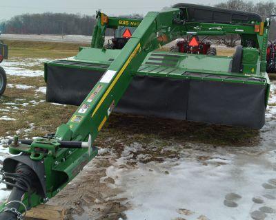 2019 John Deere 835 Mid-Pivot MoCo