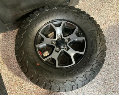 Indiana - Rubicon 2020 JLU OEM Wheels and Tires