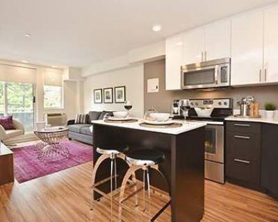 207 Bell St N Ottawa, Ontario K1R 0B9 Apartment Rental