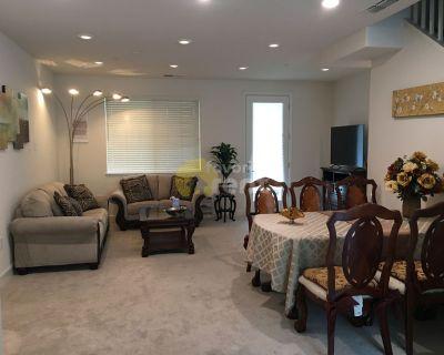 3 bedroom townhouse in Edenvale, San Jose, Garage, Swimming pool…
